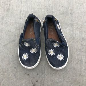 TODDLER TOMS size 7 in toddler size